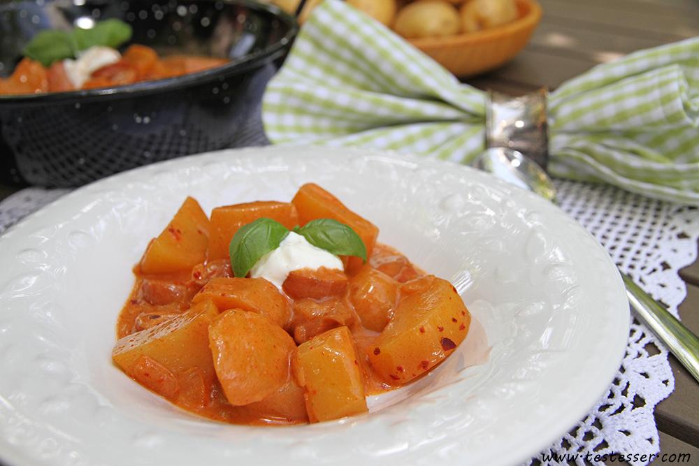 Kartoffelgulasch_Teller